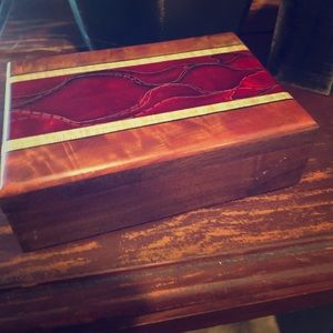 Handmade inlaid. Wood Box. Small.